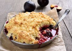 Natvia is a Stevia sweetener made from natural sweeteners and a healthy sugar substitute. Plum Recipes, Sugar Free Recipes, Fall Recipes, Healthy Sugar, Healthy Cake, Healthy Baking, Mixed Berry Pie, Plum Crumble, Roast Pumpkin Soup