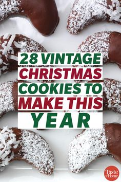 28 Vintage Christmas Cookies to Make This Year It isn't Christmas without an assortment of retro treats on the table! These vintage Christmas cookies have brought joy to holiday gatherings for many years. Christmas Snacks, Christmas Cooking, Christmas Goodies, Christmas Cakes, Christmas Treats For Gifts, Vegan Christmas, Nordic Christmas, Modern Christmas, Christmas Christmas