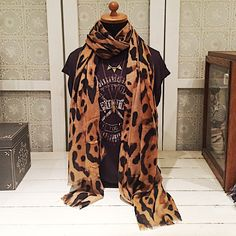 Sjaal met tijgerprint #beadies #sjaal #tijger #panter #animal #print #amsterdam #utrecht #accessoires #winter #herfst