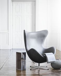 Egg chair in grey leather