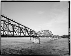 Alton Bridge, Spanning Mississippi River between IL & MO, Alton, Madison County, IL. View is looking South toward Missouri.