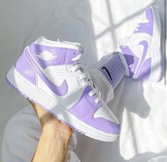 Dr Shoes, Cute Nike Shoes, Swag Shoes, Nike Air Shoes, Hype Shoes, Shoes Sneakers, Purple Nike Shoes, Purple Sneakers, Jordan Sneakers