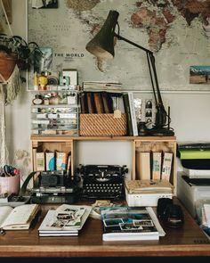 Be Right Back, Home Workshop, Antique Desk, Vintage Typewriters, Work Desk, New Room, Sweet Home, Artist Studios, Canning