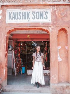 India is rich with culture. I was overwhelmed by the exotic architecture of Jaipur and crazy pink streets. Here are the top things to do in Jaipur. India Travel Guide, Asia Travel, Jaipur Travel, Stuff To Do, Things To Do, Jaipur India, India Asia, North India, Pink Street