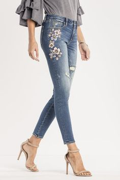 Looking for that perfect pair of denim to show off both your sassy and sweet side? Shop our Botanical Babe Mid-Rise Ankle Skinny Jeans to help you show off both sides of your personality. Skirt Pants, Jeans Pants, Denim Jeans, Shorts, Painted Jeans, Painted Clothes, Embellished Jeans, Embroidered Jeans, Jean Outfits