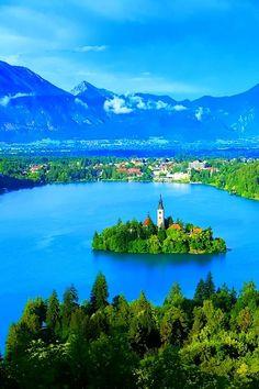"""Our-amazing-world: """"Lake Bled, Slovenia Amazing World beautiful amazing """""""