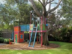 Love this treehouse for the kids.