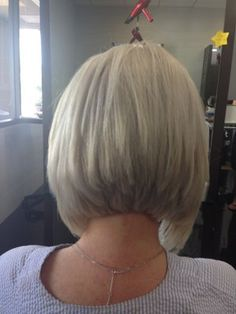 long angled bob for fine hair Bob Hairstyles For Fine Hair, Cool Hairstyles, Medium Hair Styles, Short Hair Styles, Long Gray Hair, Corte Y Color, Cut My Hair, Layered Hair, Silver Hair