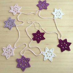 ☆ Jolies étoiles au crochet - Tuto ☆ - Mon Tricocotier Crochet Christmas Gifts, Crochet Ornaments, Crochet Gifts, Diy Crochet, Christmas Crafts, Tutorial Crochet, Crochet Stars, Crochet Motif, Crochet Stitches