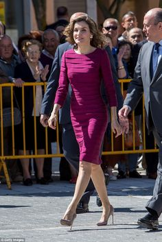 The Spanish queen sashayed into the event in a pair of spike-heeled taupe stilettos...