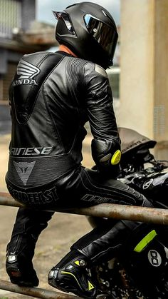 Biker Helmets, Biker Gear, Biker Boots, Biker Leather, Leather Men, Motogp, Motard Sexy, Motorbike Leathers, Motorcycle Suit