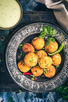 Paneer Makhana Balls are beautiful, tempting Falhari snacks which are made by using roasted makhana, paneer, potato and spices. #Recipe #Falari #Vrat #Foxnut #Food #Photography #Styling