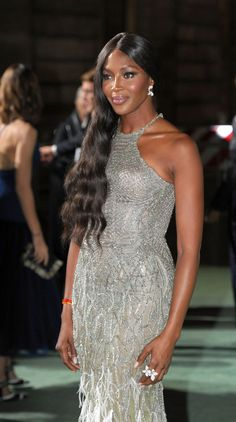 Naomi Campbell In Atelier Versace - Green Carpet Fashion Awards - Fashionsizzle