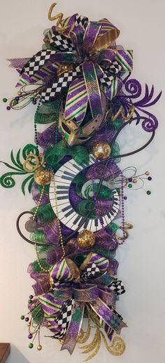 Floral, Crafts, Wreaths, Door Décor & Macramé by ScrtGrdnCrtnByAngie Mardi Gras Wreath, Mardi Gras Decorations, Wreaths For Front Door, Door Wreaths, Fabric Pumpkins, Wreath Crafts, How To Make Wreaths, Door Design, Christmas Wreaths