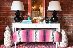 Chinoiserie Chic: Styling the Chinoiserie Console 2 Three thumbs up! Mexican Blanket, Fun Decor, Interior, Diy Furniture, Home Goods Decor, White Console Table, Diy Furniture Easy, Mirror Decor, Modern Decor