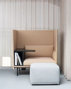 Modern and minimal office space decor inspiration from Muuto: The Outline Highback Work combines the soft, deep seat and clean refined lines of the Ou. Office Space Decor, Cool Office Space, Office Space Design, Office Interior Design, Office Interiors, Sofa Design, Design Design, Modern Furniture, Furniture Design