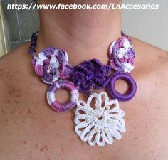 Crocheted with little pearls and amethysts necklace.   Collar en crochet con pequeñas amatistas y perlas.