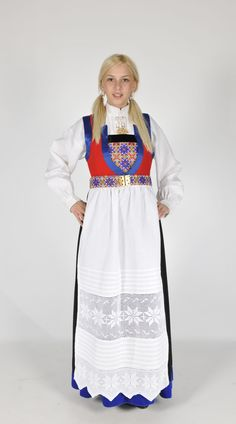 Bilderesultat for norske bunader Folk Costume, Costumes, Peasant Clothing, Character Creation, Film Industry, Beautiful Outfits, Norway, Clothes, Dresses