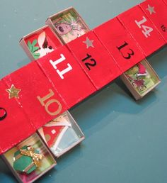 Eyes a flame:DEMO: Matchbox Advent Calendar scenes using recycled Christmas cards inside match boxes