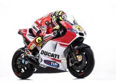Ecco la Ducati #GP15 per vincere in MotoGP! arriva ai 340Km/h ed è trainata da 240CV...vi piace? http://moto.infomotori.com/articolo/novita/24267/ducati-gp15-per-vincere-in-motogp/