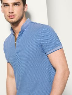 The Spring/Summer 2019 men's polo shirts collection at Massimo Dutti. Discover regular or slim fit polo shirts knitted, striped or plain. Polo Shirt Style, Polo Shirt Design, Polo Rugby Shirt, Striped Polo Shirt, Polo T Shirts, Boys Shirts, Men's Polo, Camisa Polo, Urban Fashion