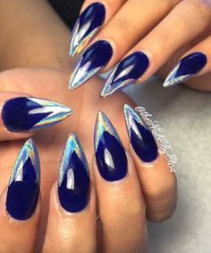 Holographic chrome pigment nails