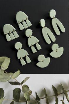 Diy Clay Earrings, Art Deco Earrings, Polymer Clay Jewelry, Earrings Handmade, Handmade Jewelry, Jewelry Shop, Diy Jewelry, Jewelry Making, Clay Design