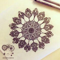 #мандала #графика #орнамент #узор #graphic #art #edding1880 #mandala #ornament #pattern #drawing #рисунок #zentangle #зентангл #dotwork #sketchbook #sketch #paint #instagood #drawing #artwork #tattooart #tattoo #henna #fabercastell | par Gromova_Ksenya