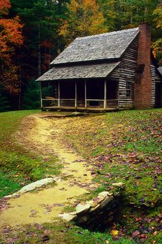 A Fine Mountain Cabin - A well worn path leads to this old cabin in Cades Cove, a low area surrounded by peaks in Great Smoky Mountain National Park. Old Cabins, Log Cabin Homes, Cabins And Cottages, Cabins In The Woods, Cozy Cabin, Cozy Cottage, Cabana, Mountain Homes, Mountain Cabins