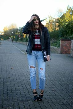 Emma Hill - EJ.Style Fashion Blog London Street Style @New Look jacket (Kelly Brook range), Karma Clothing Jumper (C/O), @· ZARA · ripped Boyfriend jeans, @asos.com clutch and shoes #OOTD #todayimwearing #streetstyle #blogger #fashion
