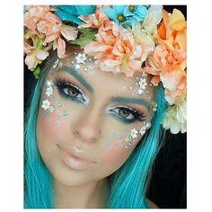 Love this mermaid makeup!