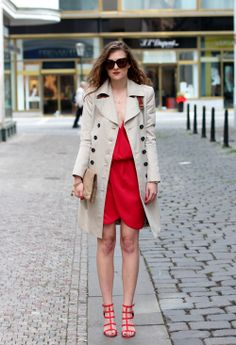 New outfit post. Street style. Fashion post. Look. Red dress and Burberry coat. Ted studded heels and Celine sunglasses.