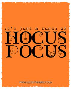 Halloween Quotes : Freebie: Its Just a Bunch of Hocus Pocus Halloween Printable Halloween Quotes, Halloween Signs, Halloween 2017, Holidays Halloween, Halloween Crafts, Halloween Decorations, Halloween Printable, Halloween Witches, Halloween Table