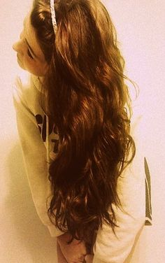 this is exactly what my hair looks like expect not as long