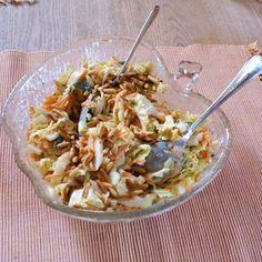 Chinakohlsalat mit Möhren und Äpfeln