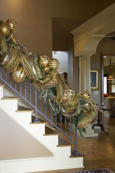 Gold Christmas Decoration Ideas - Christmas Celebration - All about Christmas - Let's face it. Christmas is every homeowner's favorite holiday. It's every homeowner's drea - Christmas Staircase Decor, Gold Christmas Decorations, Christmas Mantels, Noel Christmas, All Things Christmas, Office Christmas, Christmas Ideas, Christmas Interiors, Christmas Inspiration