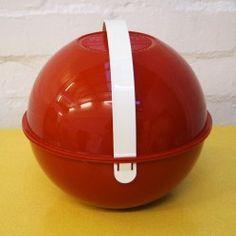 Vintage Guzzini ball picnic set at vintageactually.co.uk
