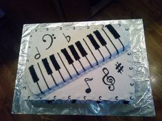 Piano Cake - Black and White piano cake done for the 12 year old girls birthday.