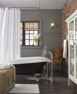 1970 rusic spa Bathroom Remodel | Salle de bain au goût moderne | Centre de design | Home Depot Canada