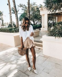 Beachy vacation neutral outfit