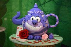 Chesire Cat Teapot Cake  - Alice im Wunderland - eigentlich Kuchendeko - geht aber auch mit Fimo zu machen