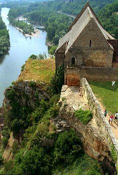 River Dordogne from the battlements of Château de Beynac