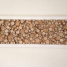 Grand tableau design abstrait en rondelles de bois brut sur fond ...