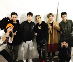 """170122 kamibaby1015's Instagram Update with BIGBANG "" #BigBang Awesome!Happy@🔚!🤗 "" """