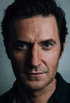 Richard Armitage, The Mona Lisa of Men:  So much to say with just a portrait.