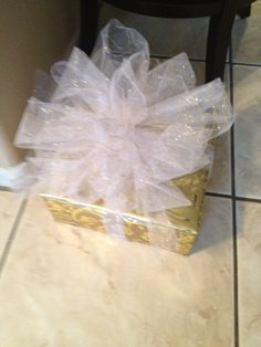 Elegant gift wrap with tulle