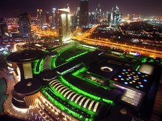 The #Dubai mall (The Dubai Mall) el Centro Comercial más grande del mundo.
