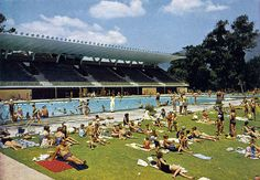 Newlands swimming pool in 1964 Tactical Survival, African History, Great Pictures, Cape Town, Continents, Old Photos, Live, South Africa, Swimming Pools