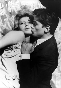 Monica Vitti & Alain Delon in L'Eclisse, Michelangelo Antonioni. Michelangelo Antonioni, Alain Delon, Claudia Mori, Movie Stars, Movie Tv, Divas, Movie Kisses, Pier Paolo Pasolini, Idol