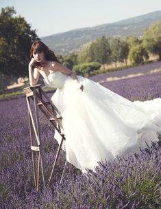 小嶋陽菜がウエディングドレスをプロデュース 6型をラインナップ | Fashionsnap.com